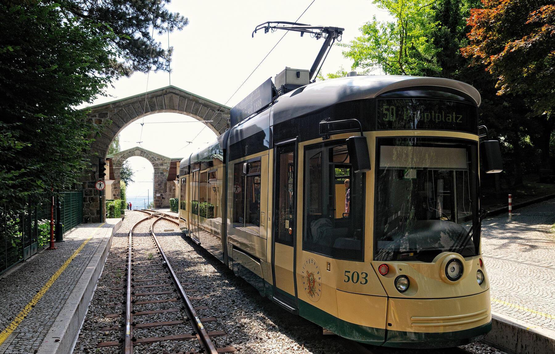 Трамвай на гору Пёстлингберг