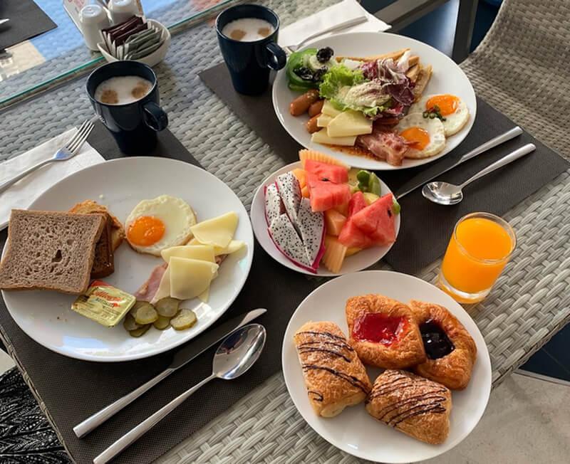 Так выглядит завтрак в отеле