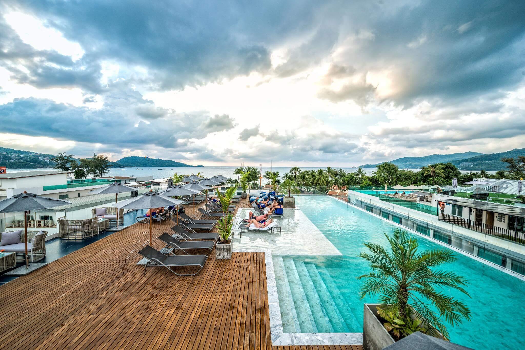 Отель Clover Patong Phuket