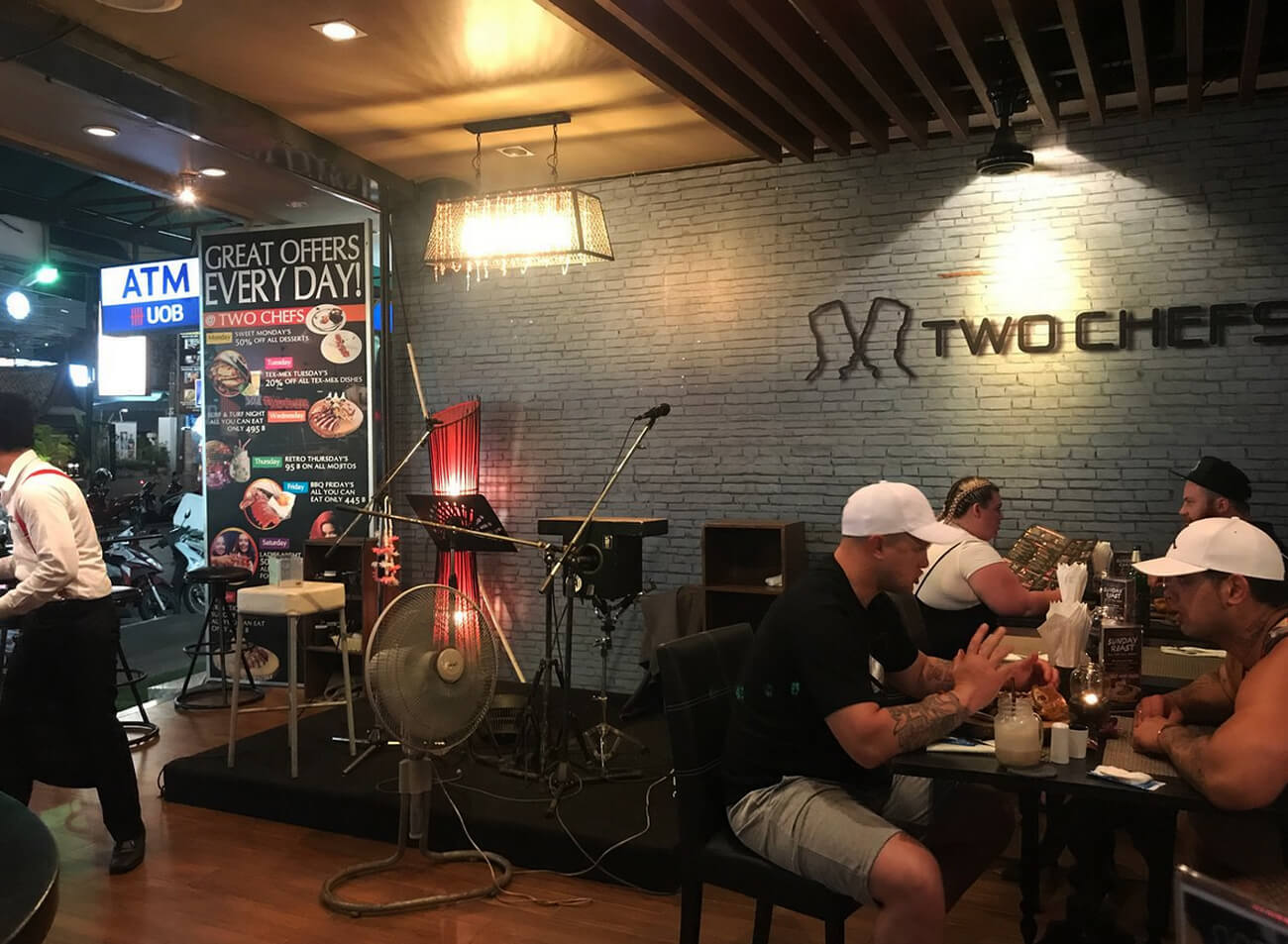 В ресторане Two Chefs Patong