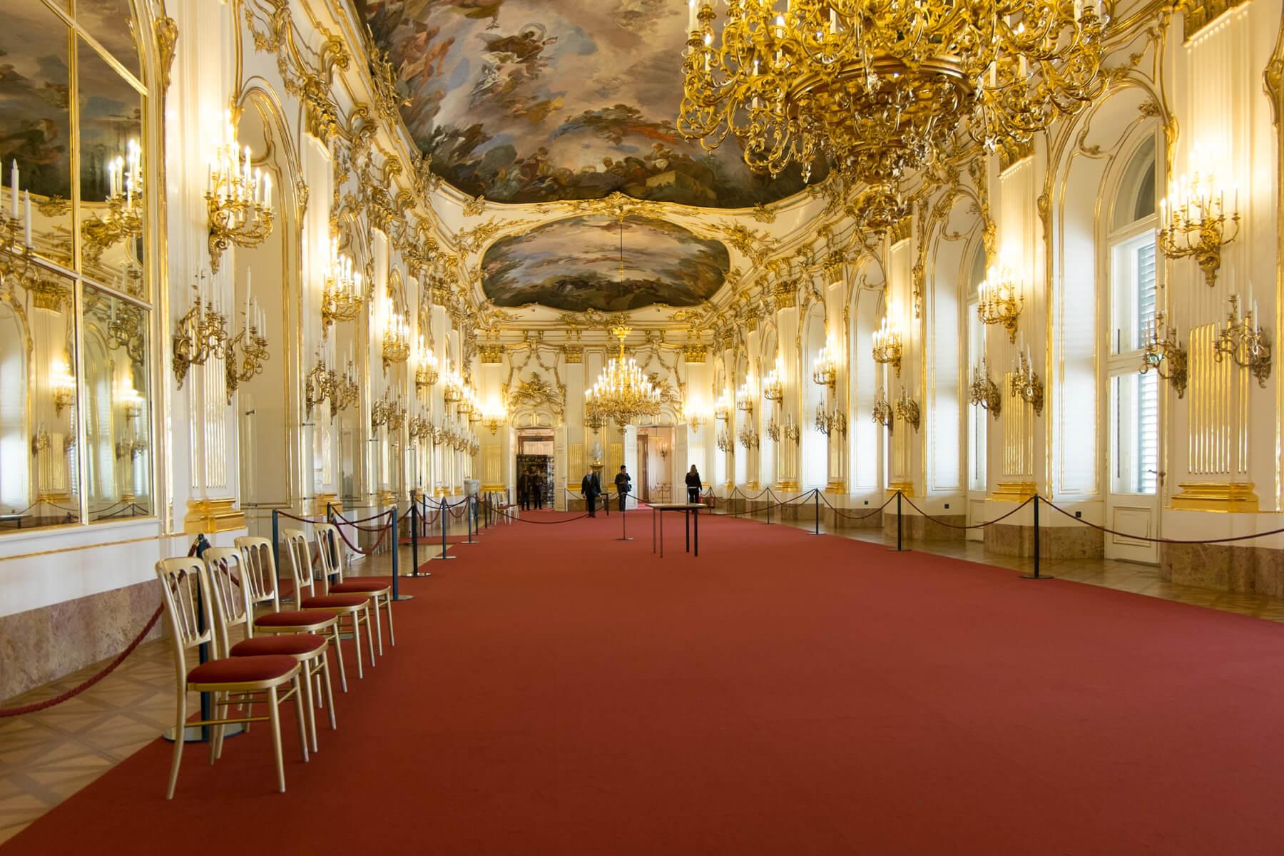 Зал большой галереи