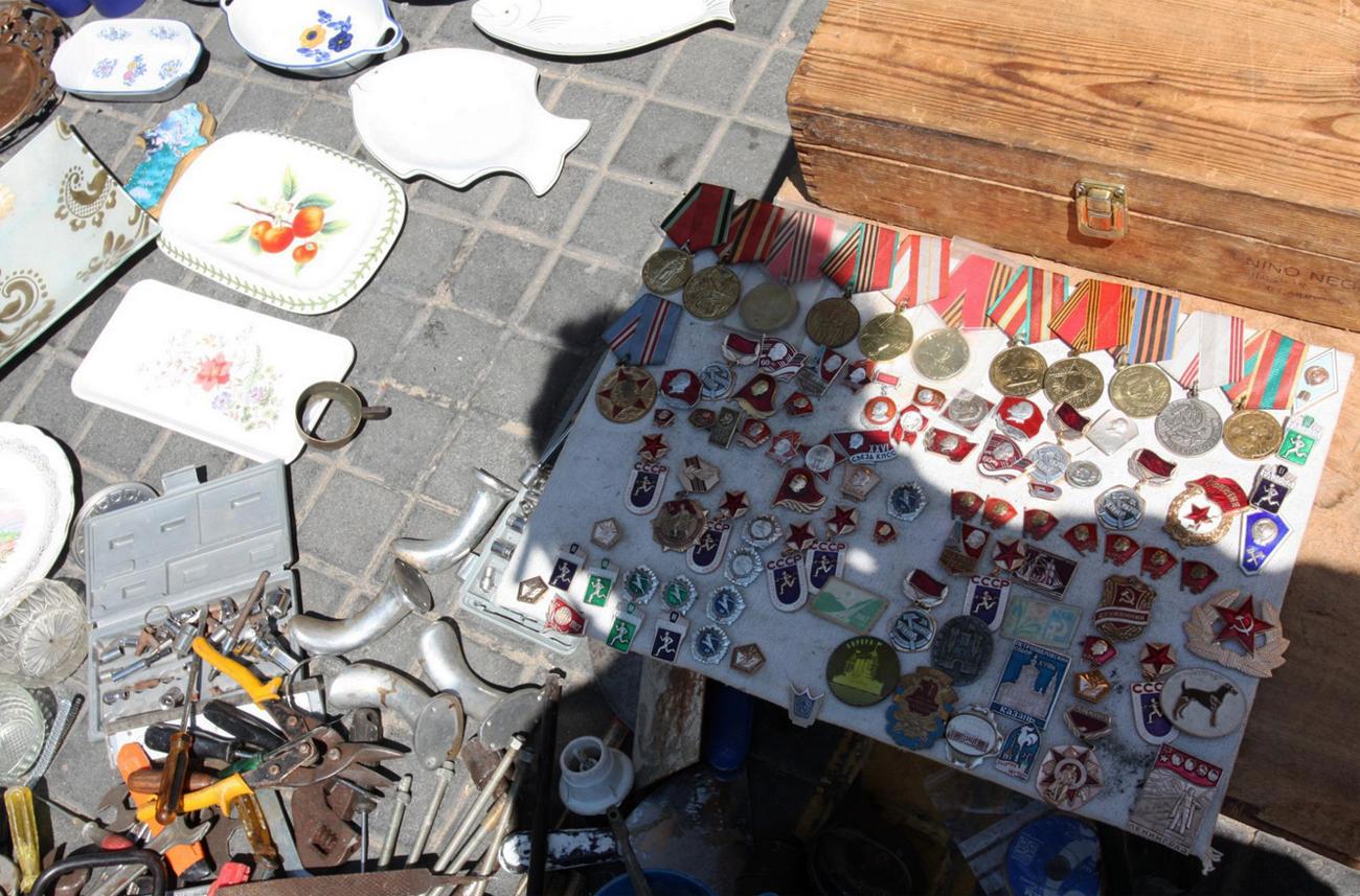 «Музейные экспонаты» на блошином рынке