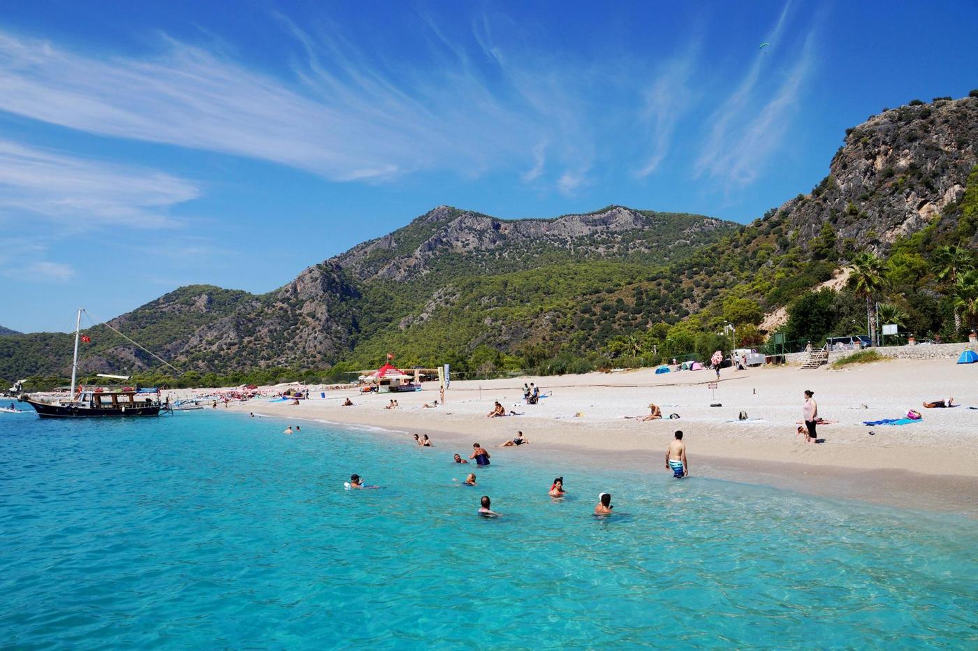 Отдых на пляже в Турции