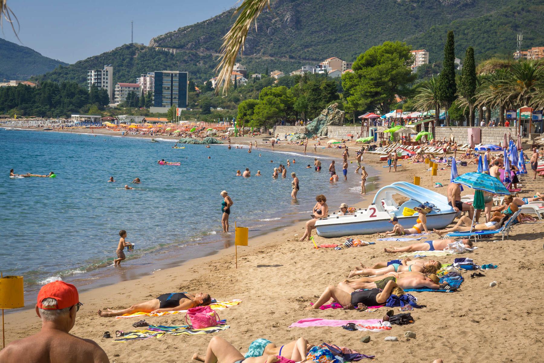 Пляж в Рафаиловичах