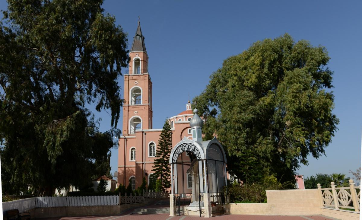 Церковь Апостола Петра и подворье святой Тавифы