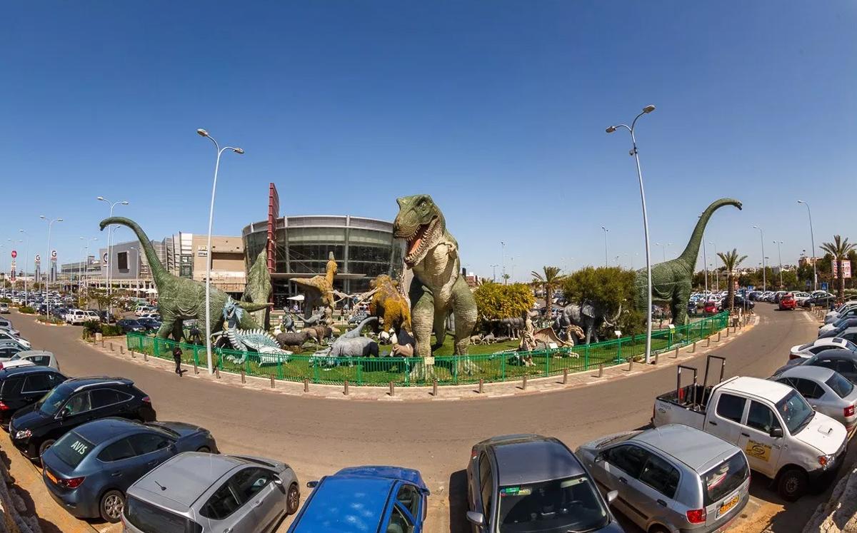 Инсталляция динозавров