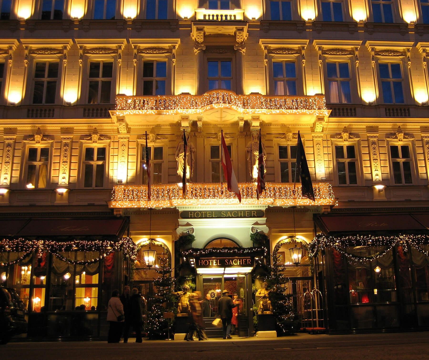 Ночной отель Захер