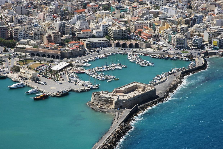 Крепость Кулес в порту Ираклиона