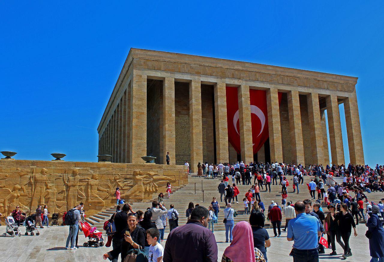Возложение венков в мавзолее Ататюрка