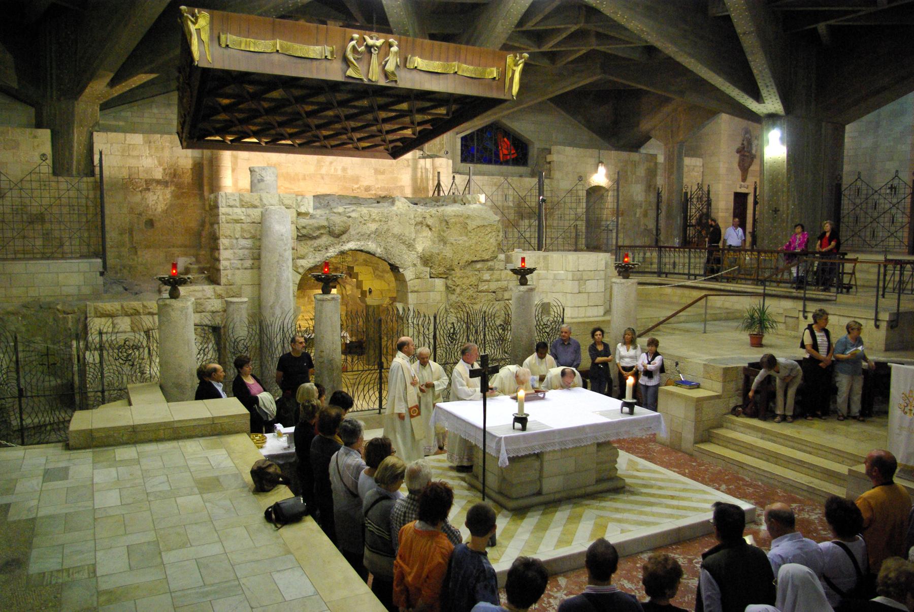 Нижний уровень храма Благовещения