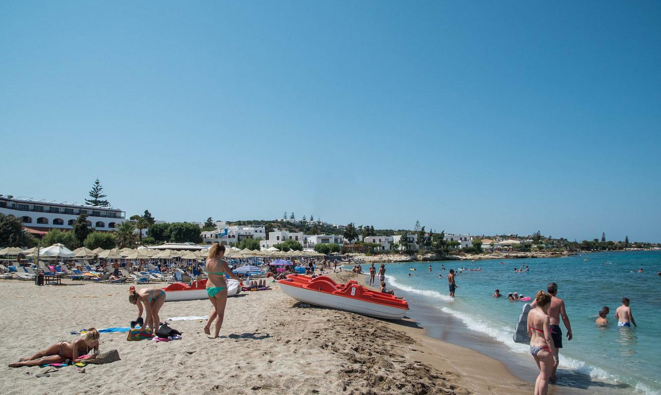 Пляжи возле отеля Creta Maris