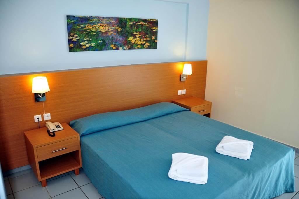 Номер в апарт-отеле Acropolis Apartments