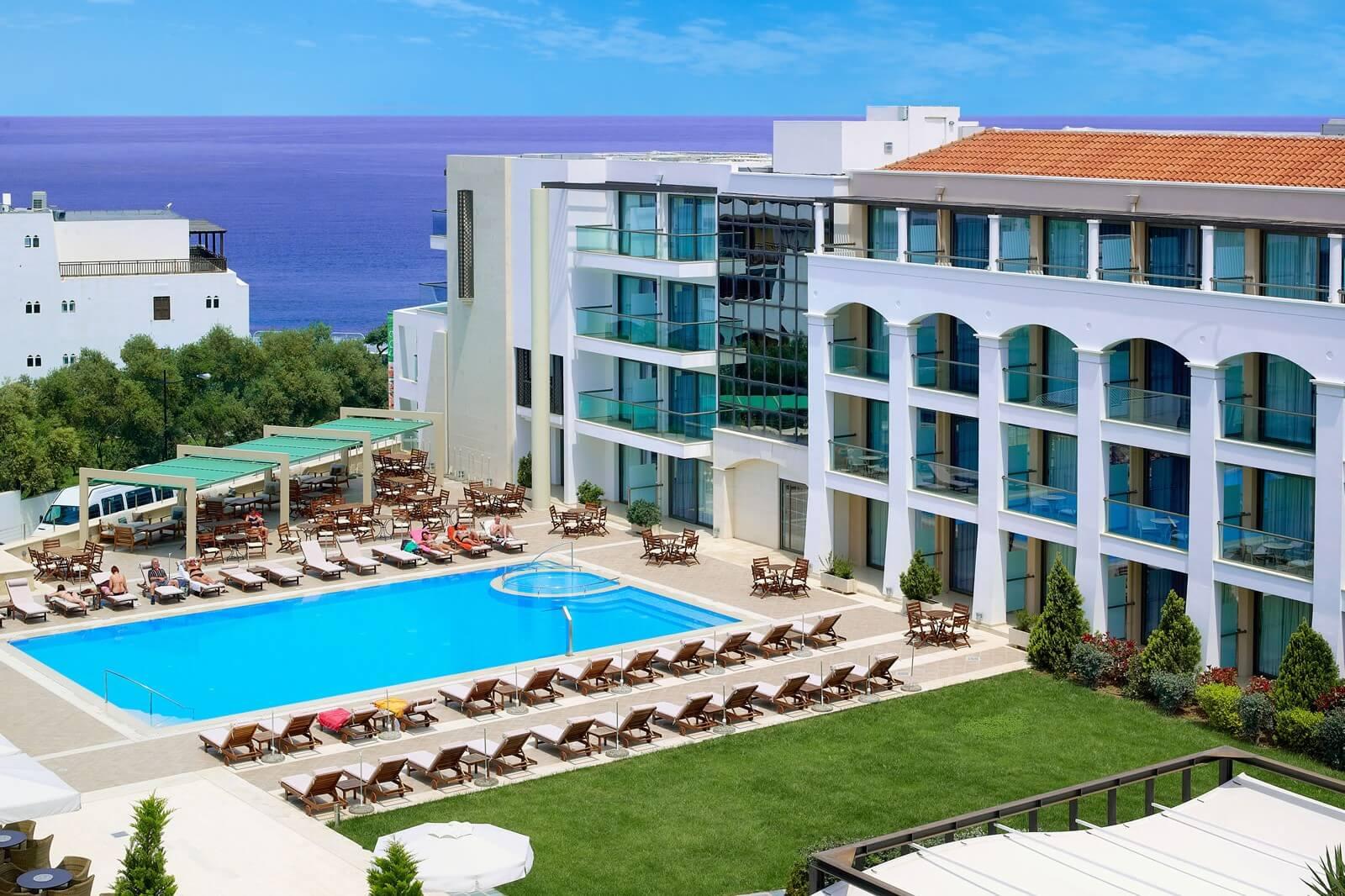 Пятизвездочный отель Albatros Spa & Resort Hotel