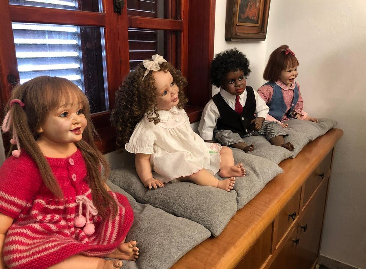 В музее Fine Art & Doll Museum