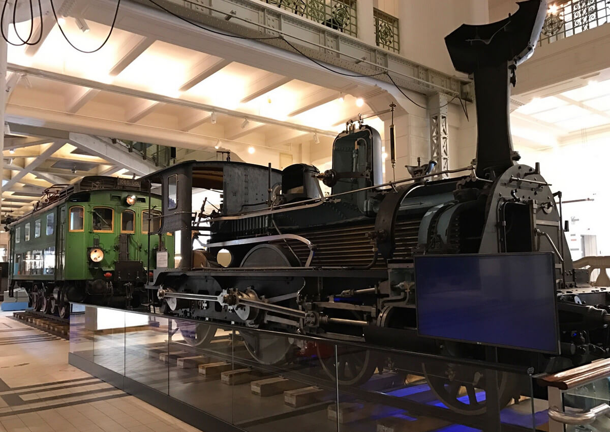 Зал локомотивов