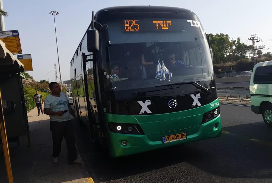 Автобус № 825