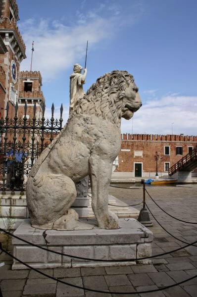 Пирейский лев, Венеция