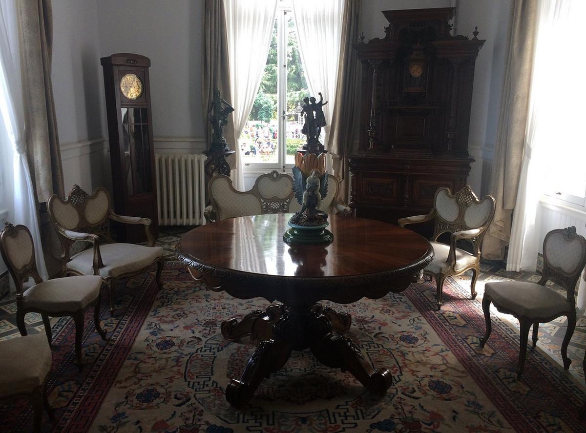 Мебель в особняке Ататюрка