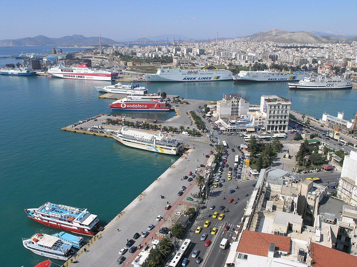 Порт в городе Пирей