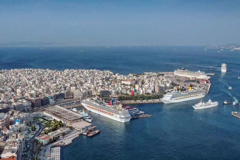 Порт города Пирей