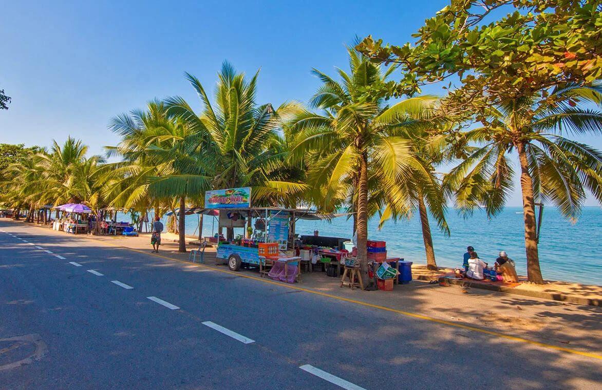 Пляж Банг Сарай, Паттайя