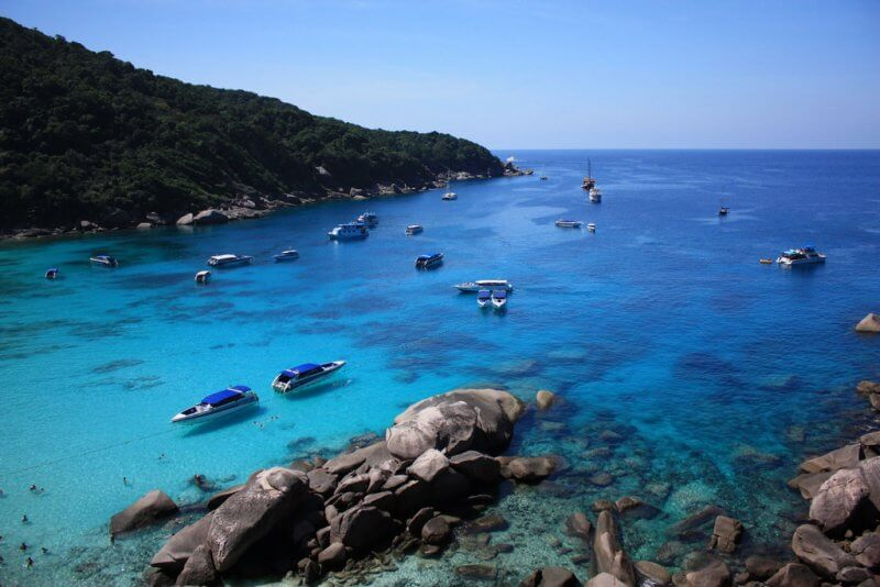 Корабли вблизи Симиланских островов