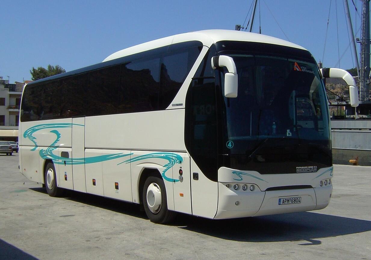 Автобус в Микены