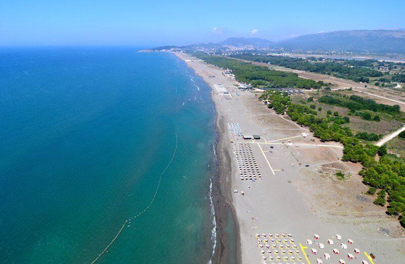 Большой пляж в Ульцине
