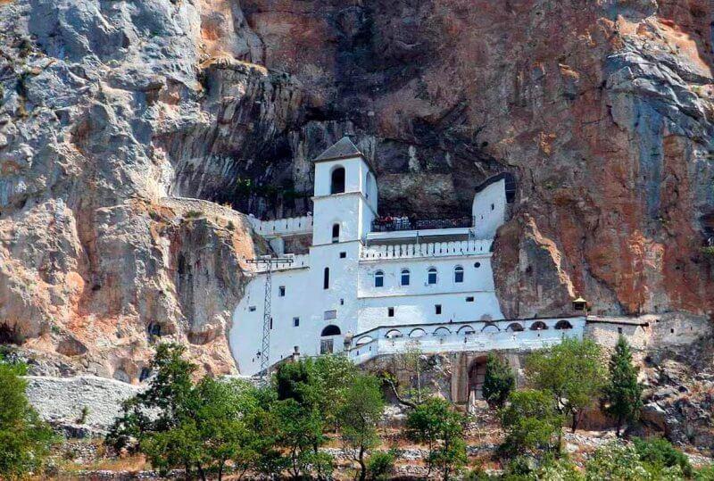 Монастырь в Тивате