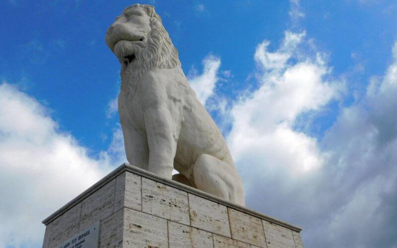 Пирейский лев в городе Пирей