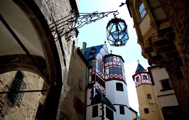 Вход в замок Эльц