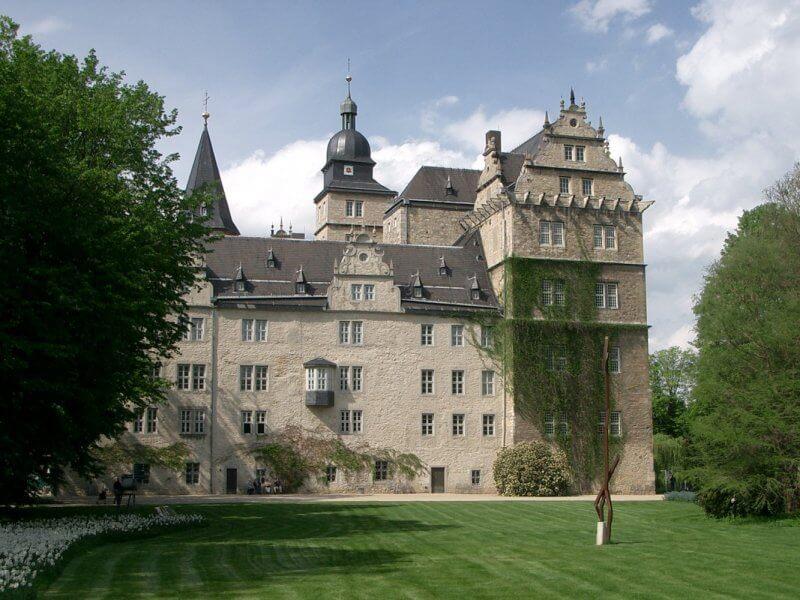 Замок Вольфсбург