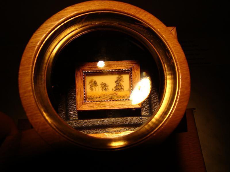 Миниатюра в музее