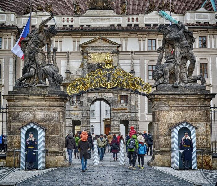Ворота в Королевский дворец