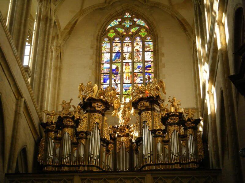 Витраж в Соборе Святой Варвары