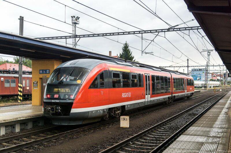 Электричка на вокзале Праги