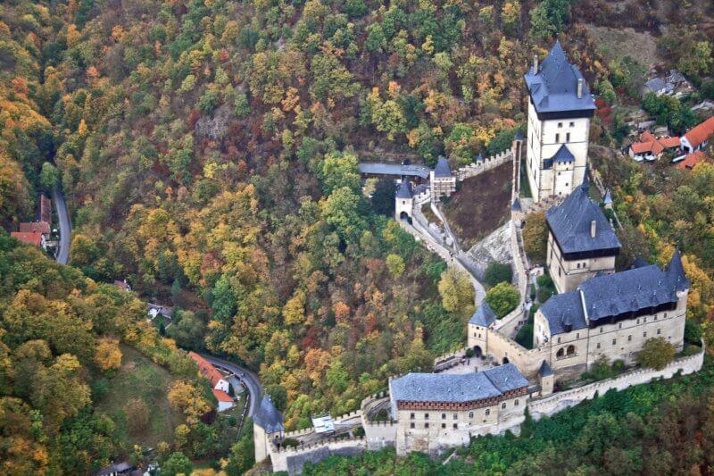Замок Карлштейн недалеко от Праги