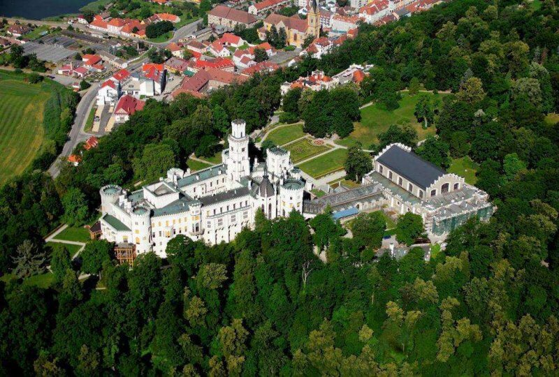 Замок Глубока-над-Влтавой сверху