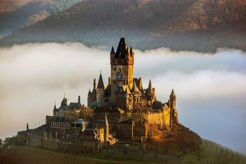 Замок Райхсбург