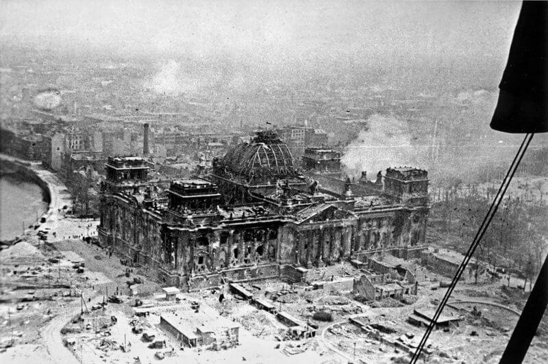 Рейхстаг во время войны