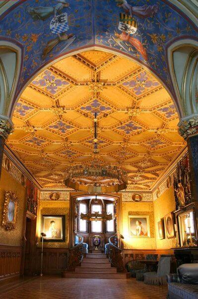 Холл в замке Гогенцоллерн