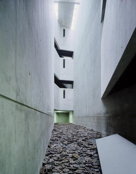 Экспозиция музея Холокоста