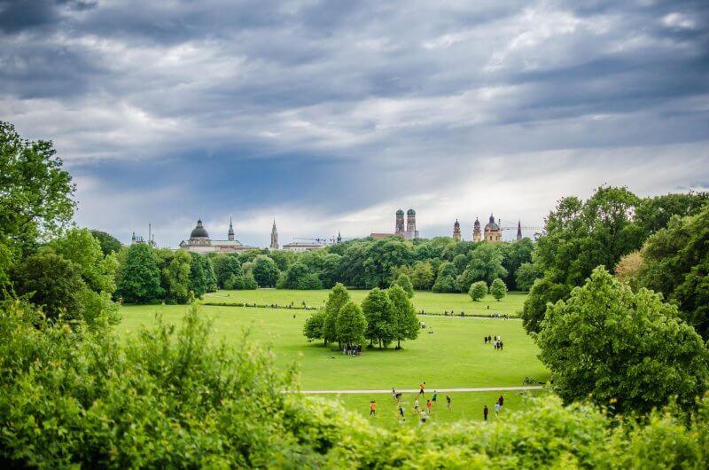 Вид на Английский сад Мюнхена