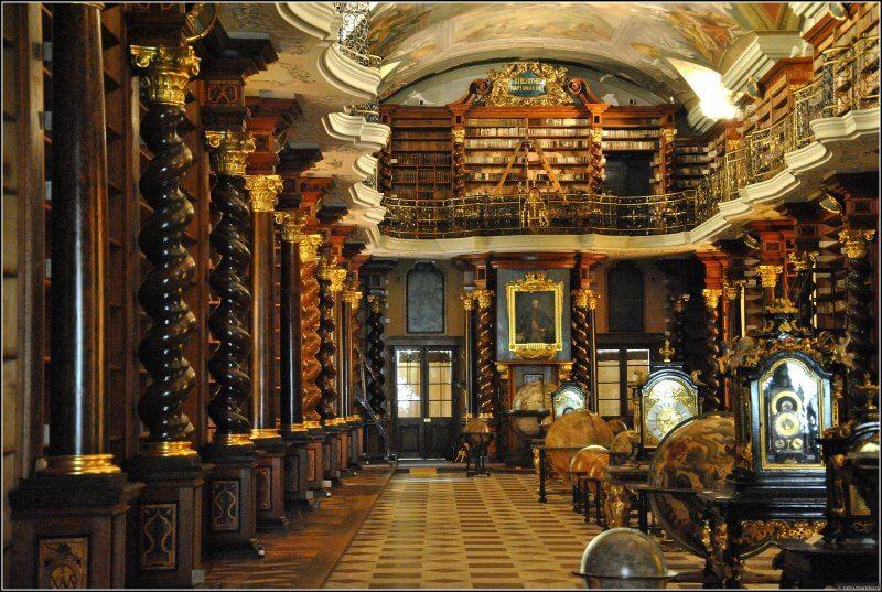 Зал в библиотеке Клементинум
