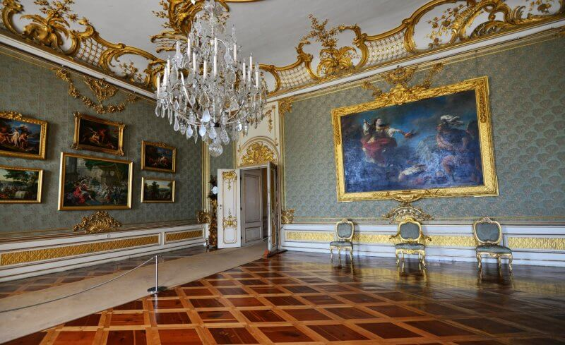 Зал во дворце Сан-Суси