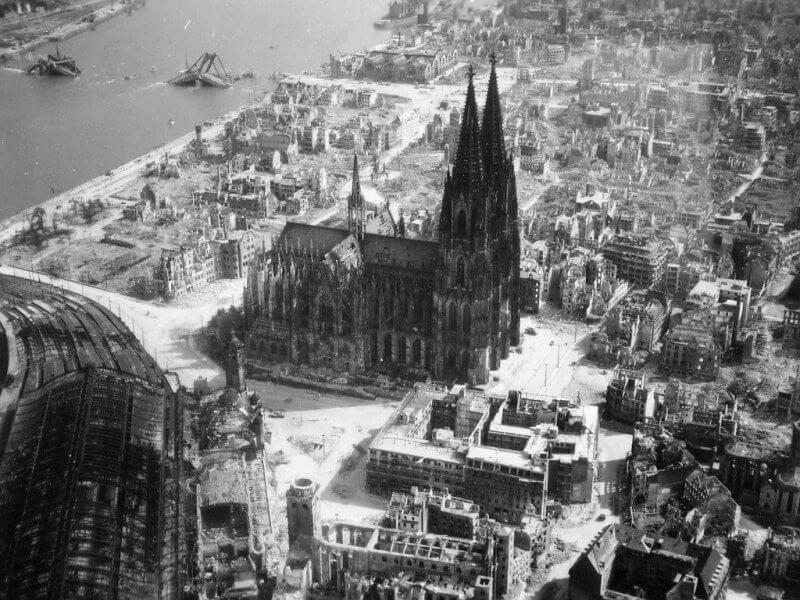 Кёльнский собор во время войны