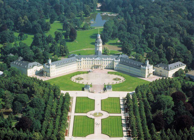Вид на Дворец Карлсруэ