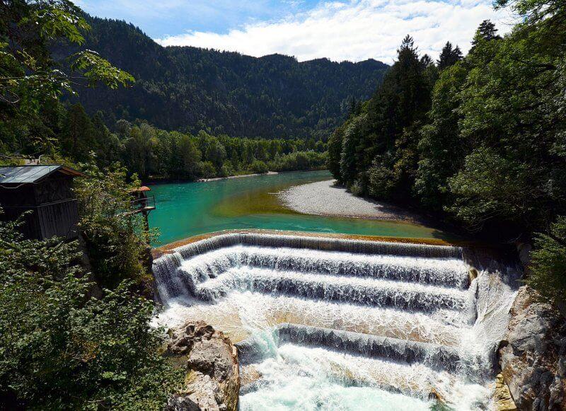 Водопад на реке Лех