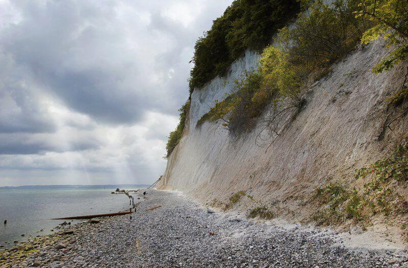 Пляж и меловые скалы