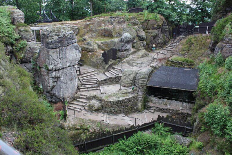 Скальная крепость Нойратен